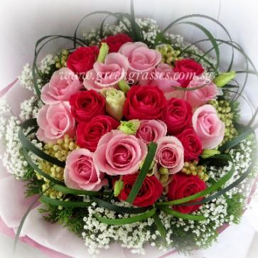 HB12032-ORW-24 Mix Pk Rose hand bouquet