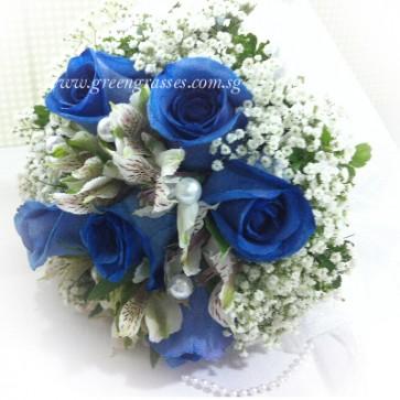 WB12011-ROM-6 Ecuador Blue Rose hand bouquet
