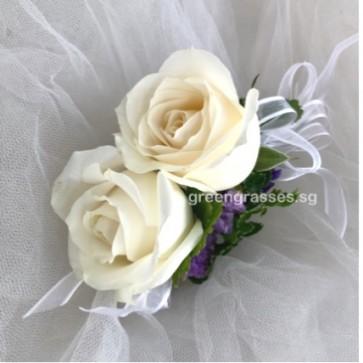 CH02055 White Roses Headdress.