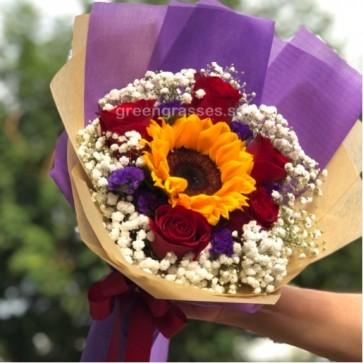 HB07012-LGRW-5 Red Rose+1 Sunflower