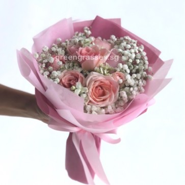 HB07337-GLSW-Pk Roses Hand Bouquet