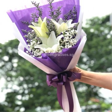 HB07538-LSW-3 Wh Lily hand bouquet