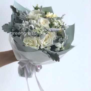 HB08091 BOQ-Assorted Wh Roses Bouquet