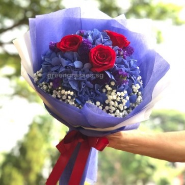 HB10010-GLSW-1 Hydrangea+3 Red Roses