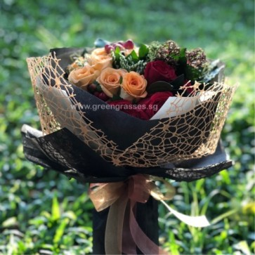 HB11025 DRW-18 Roses(12 Champagne+6 Red)