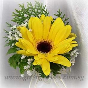 CG01015-Corsage-1 Yellow Gerbera