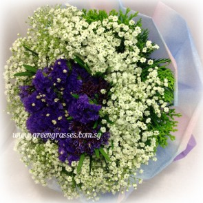 HB07510-GRW-BB+Purple Statice hand bouquet