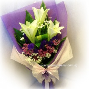 HB07076-LSW-3 Lily hand bouquet