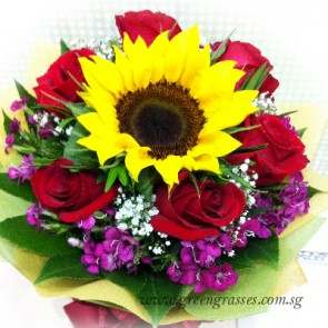 HB07321-LGRW-6 Red Rose+1 Sunflower
