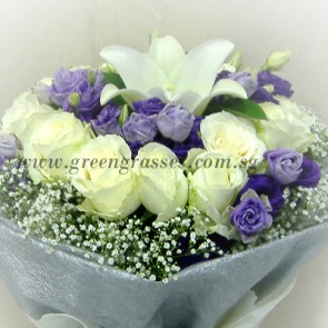 HB09823D-ORW-12 Wh Roses+1 Wh Lily w/Eustoma