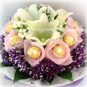 HB09819-LLGRW-3 Wh Lily+9 Rocher Chocolate