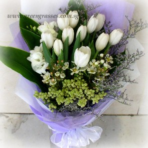 HB10522-LSW-12 Wh Tulip hand bouquet