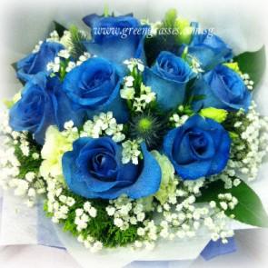 HB12703-ORW-9-Ecuador Blue Rose hand bouquet