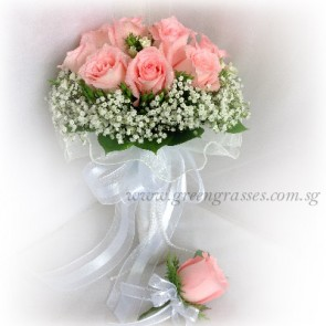 WB09315-ROM-12 Pk Rose hand bouquet w/Corsage