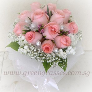 WB09516-ROM-12 Pk Rose w/Bead hand bouquet