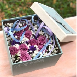 BX09012-SQLB-9 Purple Roses in Square Floral Box