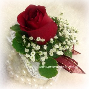 CGW01611-Wrist Corsage-1 Red Rose