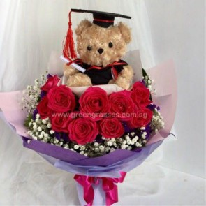 "GRHB09528-GLSW-10 Red Rose w/7.5"" Graduate Bear."