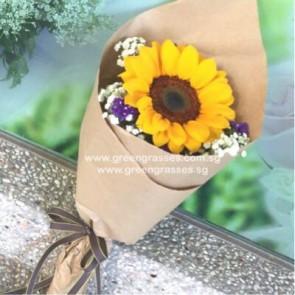 HB03503-SW1F-1 Sunflower hand bouquet