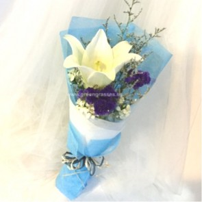 HB03542-SW1F-1 Wh Lily hand bouquet