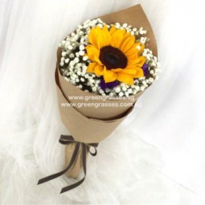 HB04080-SW2F-1 Sunflower hand bouquet