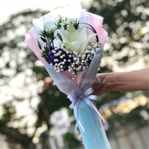 HB04592-LSW-1 Wh Lily Hand Bouquet