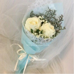HB04913-KW-2 Wh Rosee hand bouquet