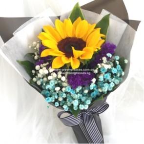 HB05522-LSW-1 Sunflower+Blue BB hand bouquet