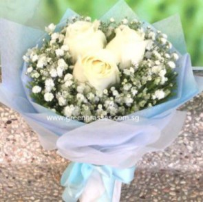 HB05544-LLGRW-3 Wh Rose hand bouquet