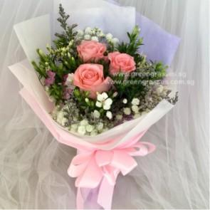 HB05571-LLGRW-3 Pk Rose hand bouquet