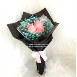 HB06006-LLGRW-3 Pk Rose w/Blue BB hand bouquet
