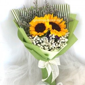 HB060122-GLSW-2 Sunflower Hand Bouquet