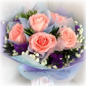 HB06538-HKW-6 Pk Rose hand bouquet