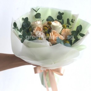 HB07032 BOQ-Assorted Champagne Roses Bouquet