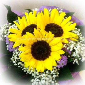 HB07041-LLGRW-3 Sunflower hand bouquet
