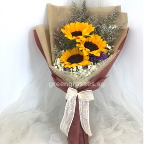 HB07063-GLSW-3 Sunflower hand bouquet
