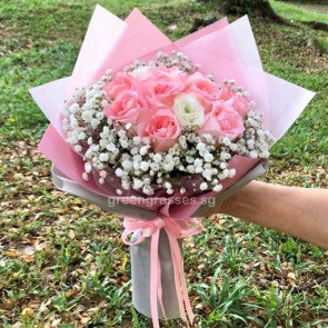 HB07574-LGRW-12 Pk Rose hand bouquet