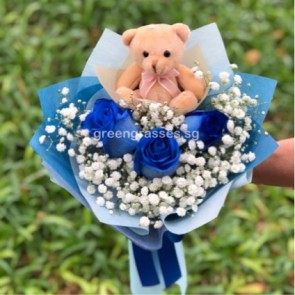 HB08311-GLSW-3 Ecuador Blue Rose w/Bear hand bouquet