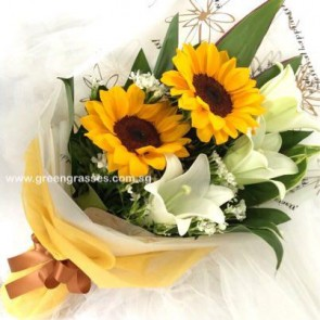 HB08518-LSW-3 Lily+2 Sunflower hand bouquet