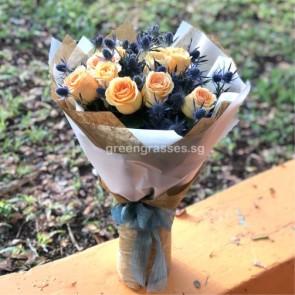 HB09017-ORW-10 Kenya Mango Rose w/Eryngium hand bouquet