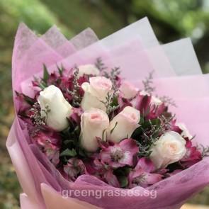 HB09023 ORW-10 Ctr Pk Rose hand bouquet