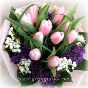 HB09043-ORW-10 Pk Tulip hand bouquet