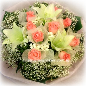 HB09820-ORW-3 Wh Lily+9 Pk Roses hand bouquet