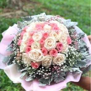 HB15051-ORW-36 Roses(Pk+Wh) Hand Bouquet