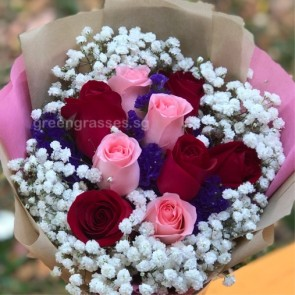 HB07336-ORWs-9 Rose(Pk+Red) Hand Bouquet