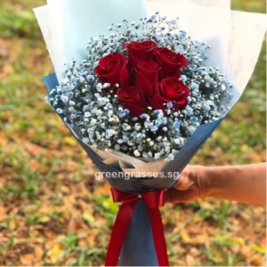SCHB05566-Self Collect-SW-6 Red Rose w/Blue Baby's Breath