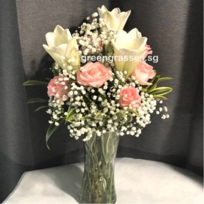 TF10622-3 Wh Lily+6 Wh Roses w-Glass Vase